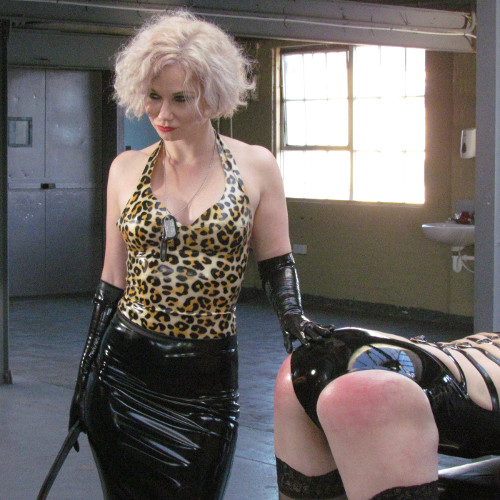 Mistress-Inka-dominatrix