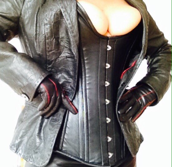 ladyamber-leather