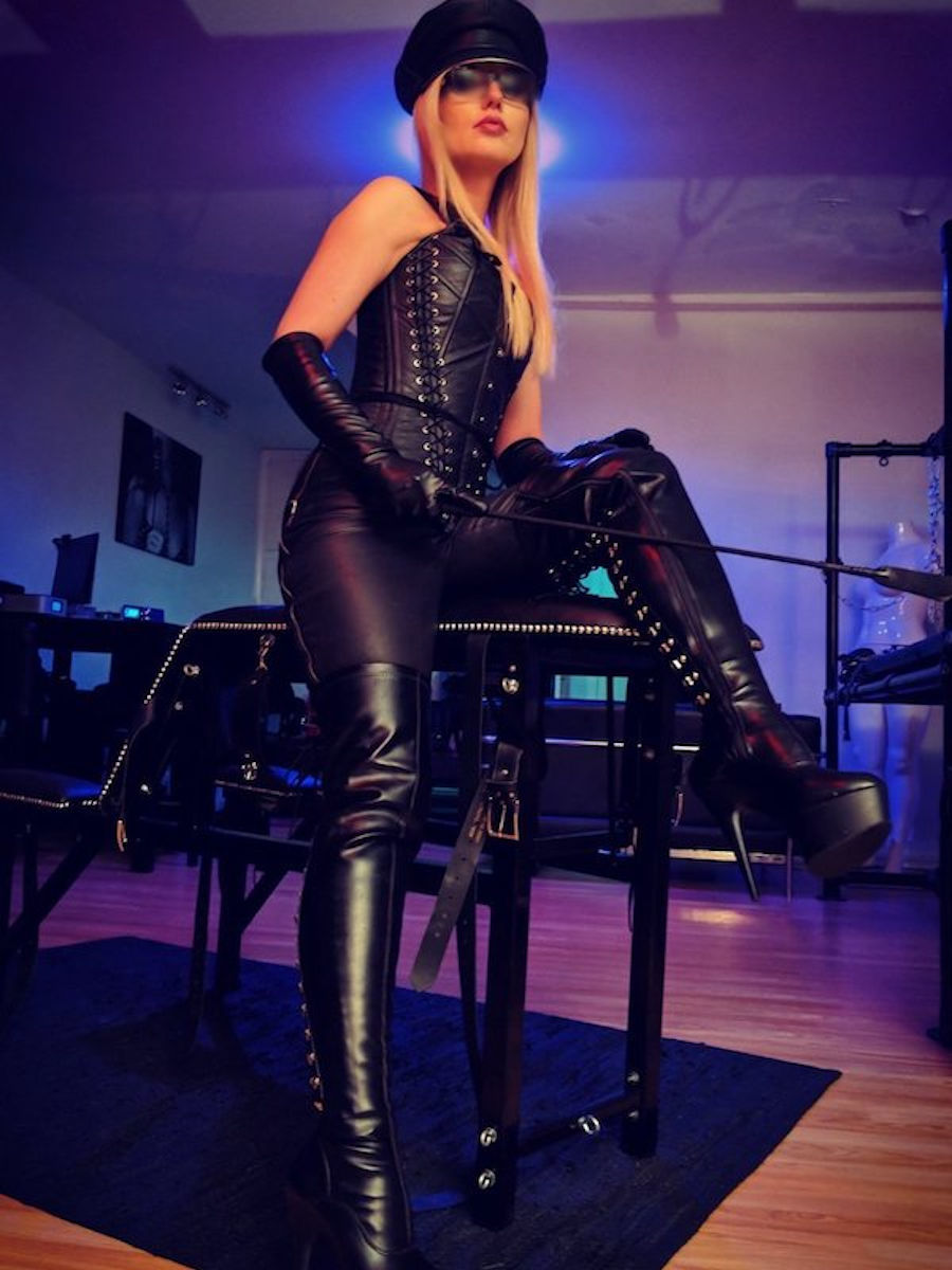 Mistress_Wildfire_25_27th_October